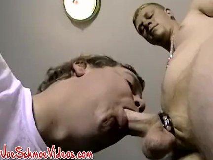Член кольцо гомо лижет жопу трахается старше член