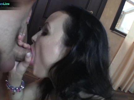 Сексуальная Лорейн Дюваль трахал на бильярдный стол