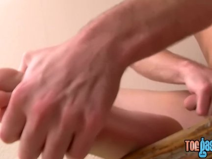 Милые красавчик соло сопляк от и ноги дразнить