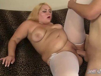 Коренастый блондинка джейд роуз глубокий заглот член перед будучи хорошо трах