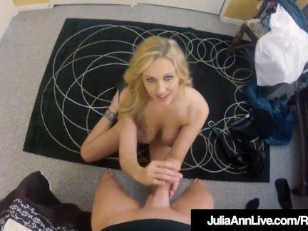 Грудастая блондинка мамочка джулия энн снято ебёт с шпион камера
