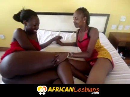 Страпон владеющие лесбиянка африканские девушки