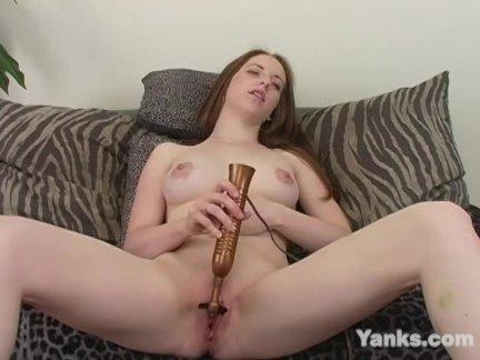 Янки янтарный гранд мастурбирует