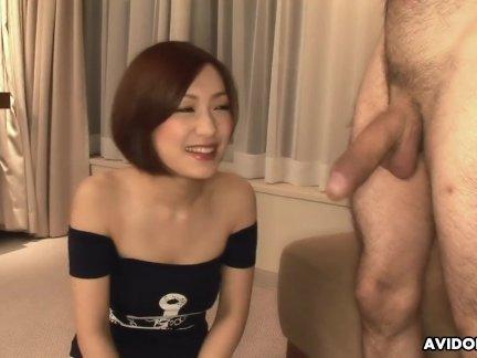 Нанако харуна никогда не видел не-азиатских член до