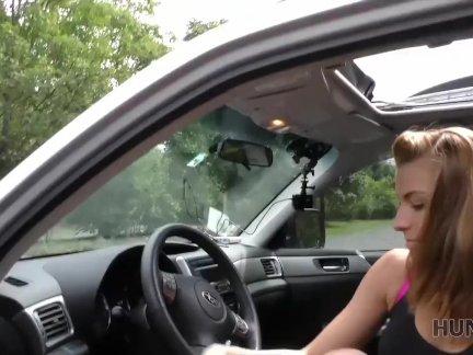 ХАНТК. Охотник соблазняет блондинку в торговом центре для грязного секса
