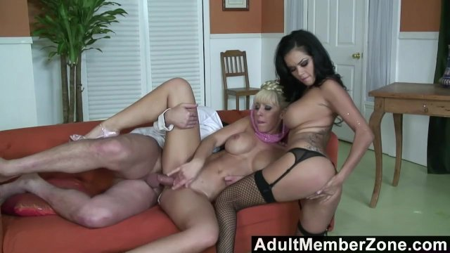 AdultMemberZone – Slave genie grants her masters wish of a threesome.