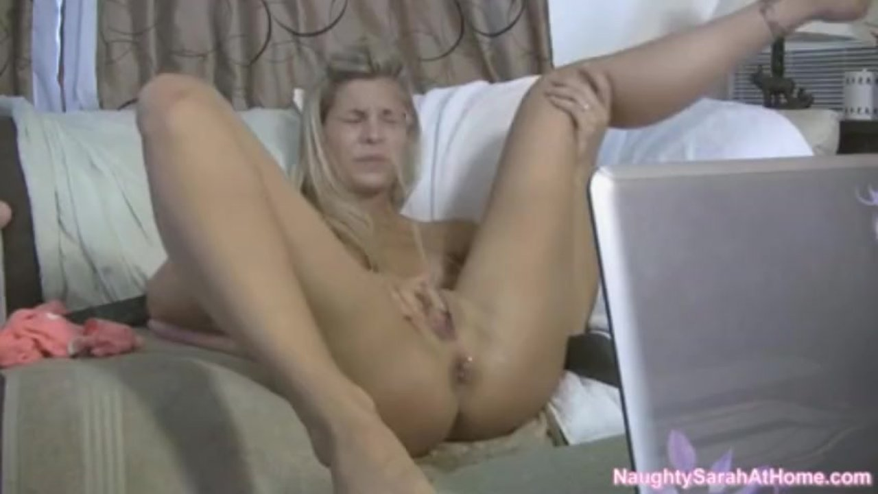 Busty Webcam Girl Squirts In Her Own Mouth
