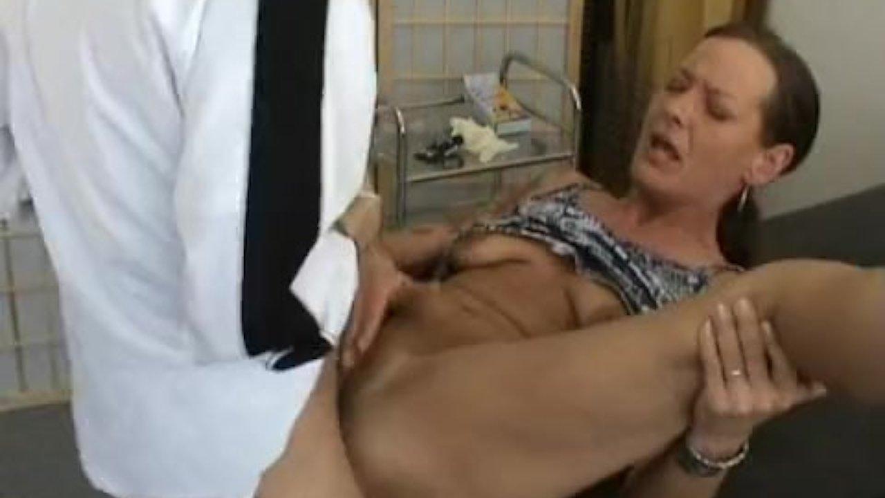 Horny twat gets cummed on her ass