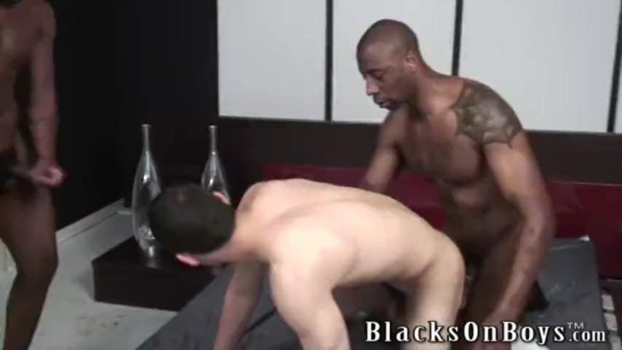 free online interracial gay cream pie porn