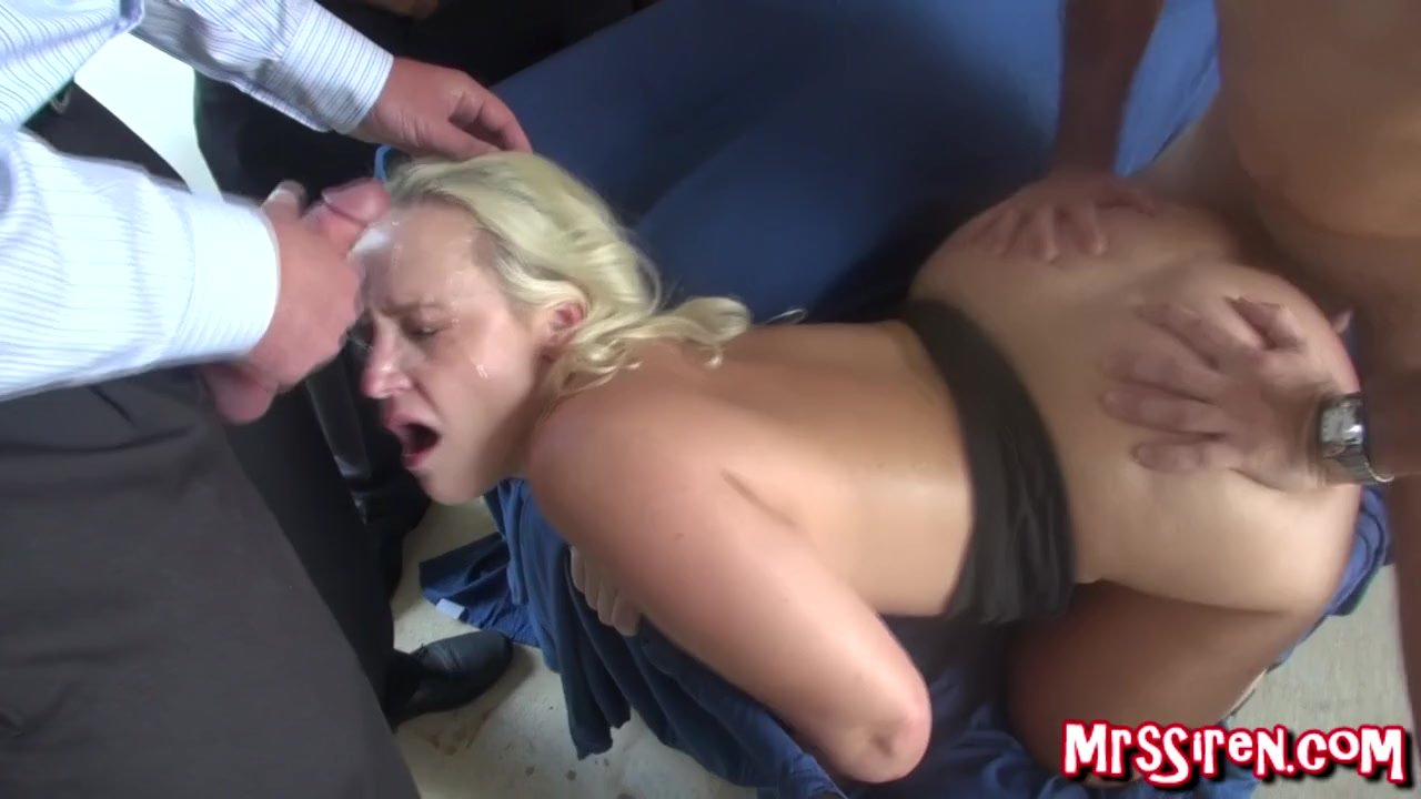 Milf Layna Landry Catches Cadence Sucking Dic