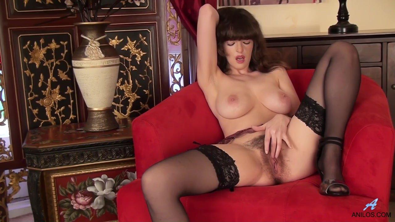 Фото волосатые женщины в чулках секс видео фото сиськи