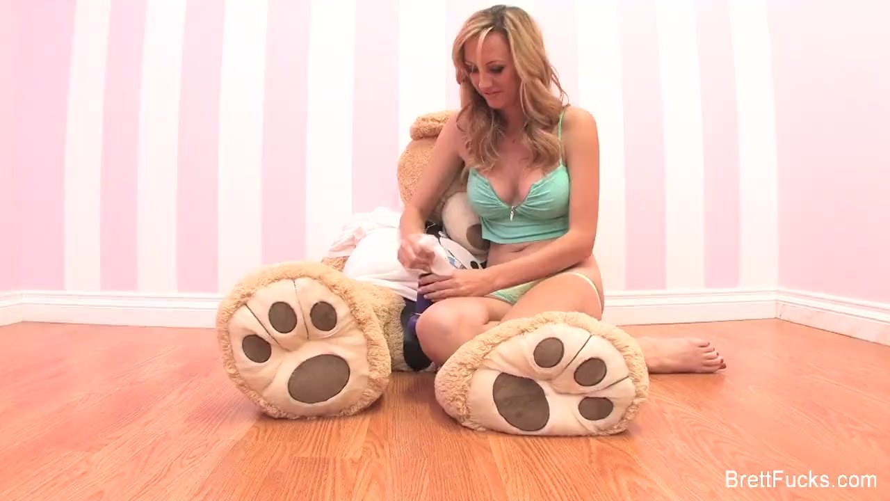 Brett Rossi Behind The Scenes Masturbation