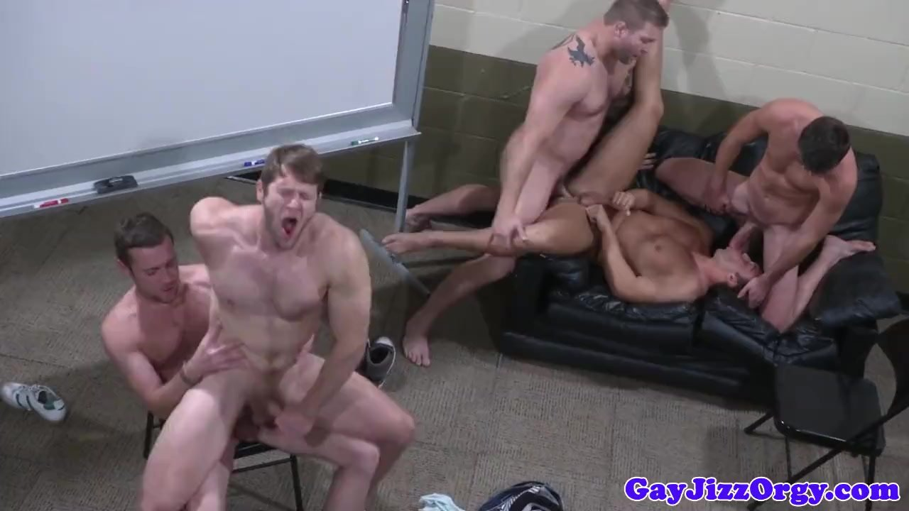 beautiful twink fucked by tall guy