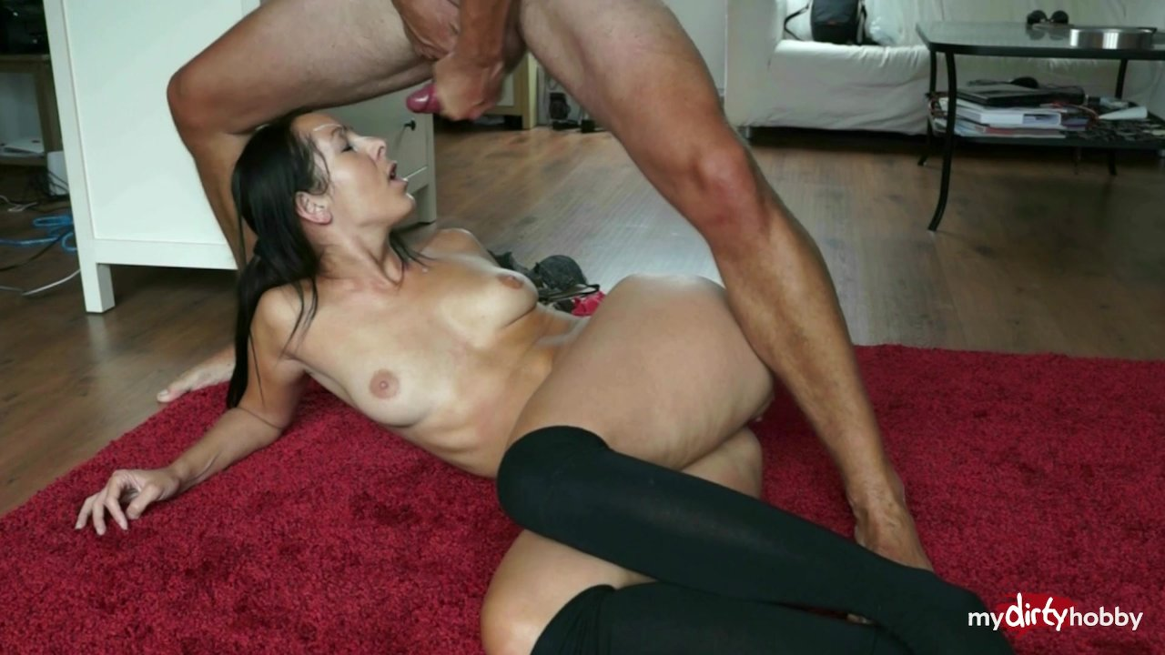 Simone Style takes some dick in the ass