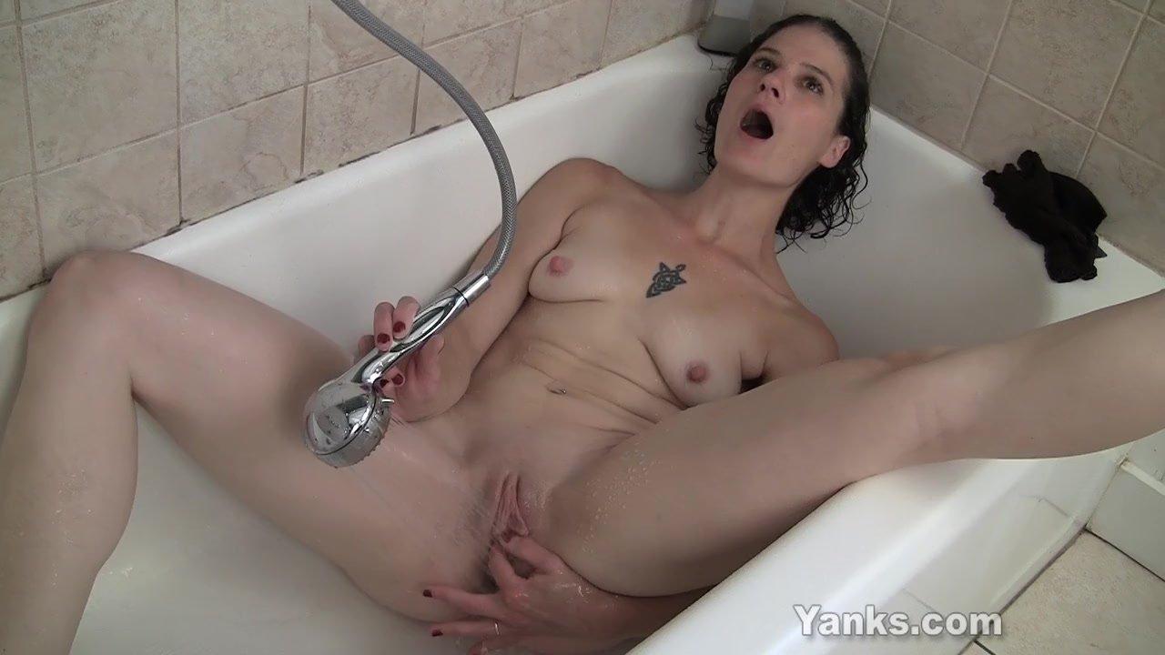 Порно Под Струей Воды