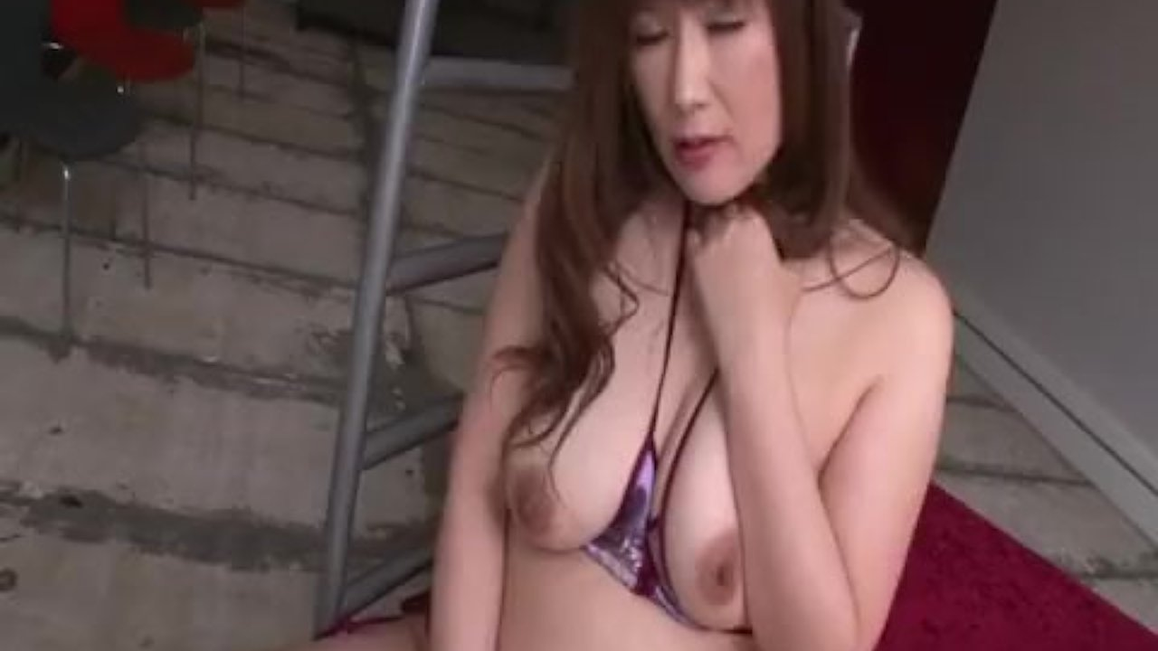Big tits bimbo finger fucks