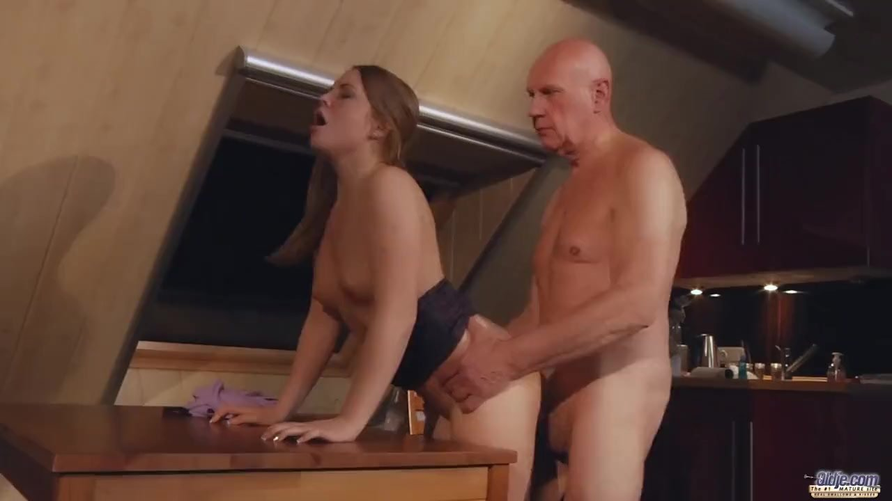 Old man fucking his sexy young girl friend