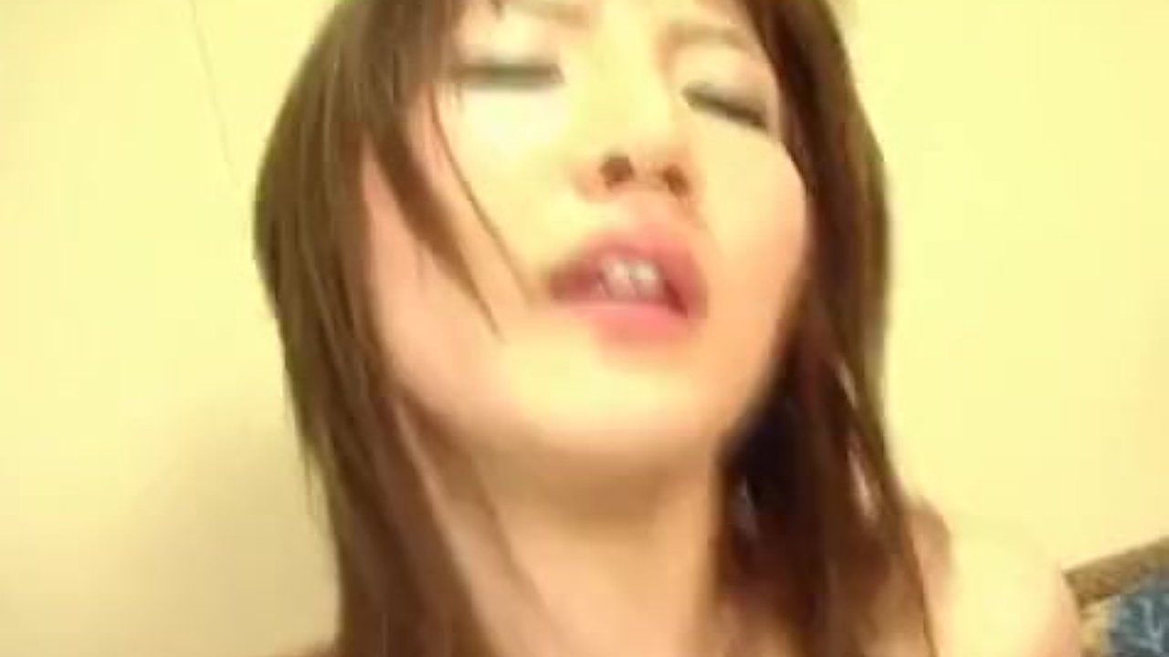 Miku sucks and strokes cock before is fucked