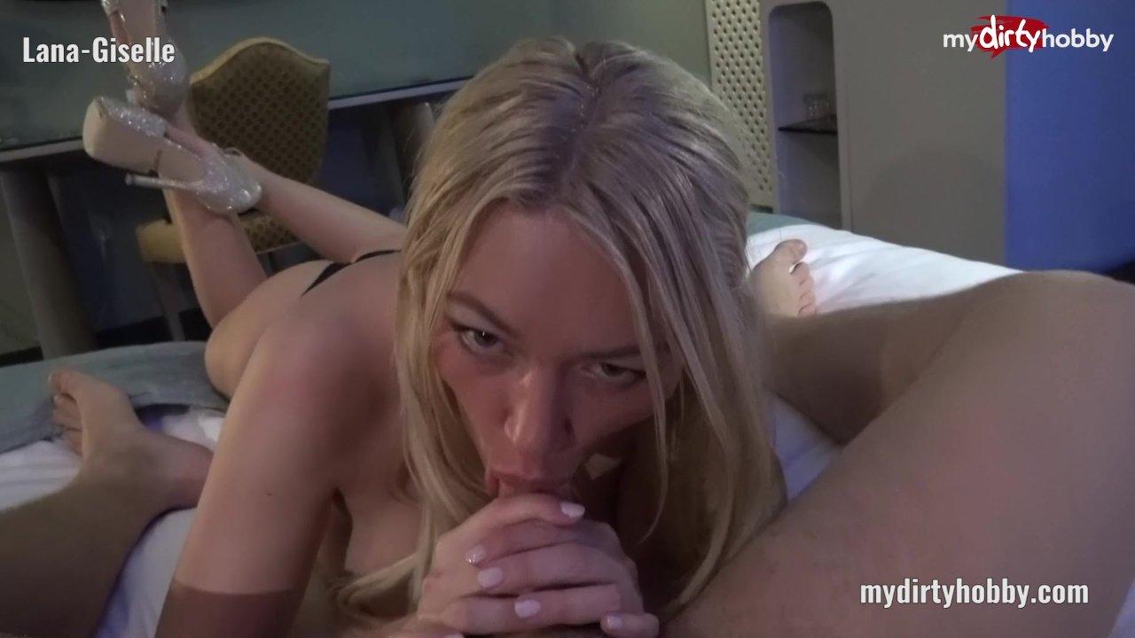 Bored Genevieve Venom Wants Some Cock