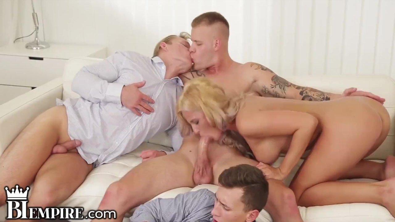 Biseksualna orgia shemale