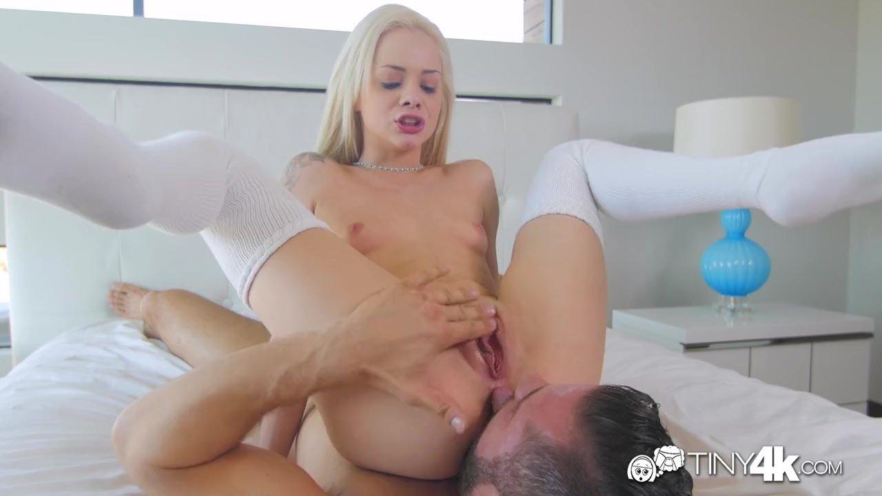 порно-актрисы с кипельно белыми волосами кончил девушке