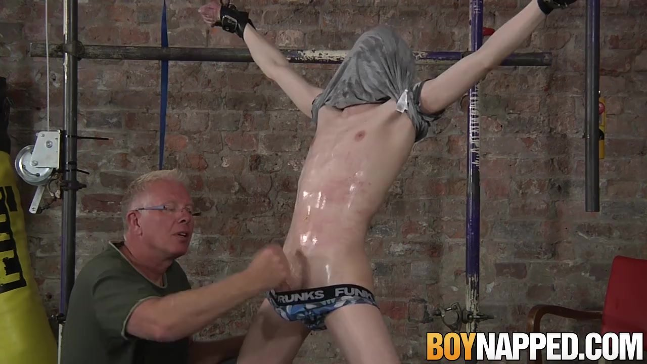 Aaron Aurora is bound and whipped by mature Sebastian Kane