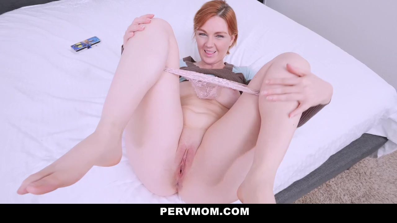 Pervmom - Pervy Stepmom Find Sons Porn On Tablet  Redtube -6941