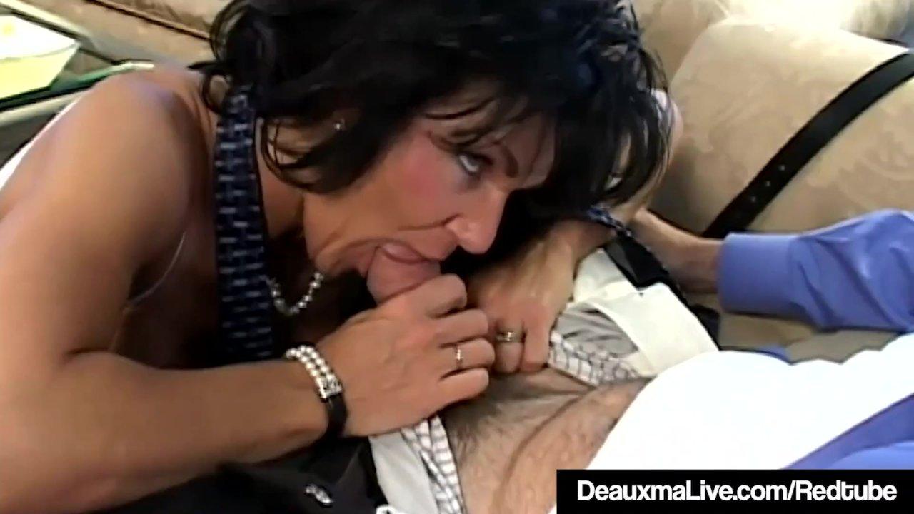 Angie Noir Actriz Porno la puma de texas deauxma es petada analmente por un fan!