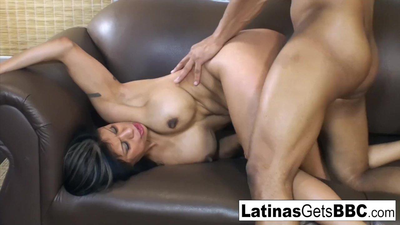 Busty latina milf mercedes carrera is a wet dream come true