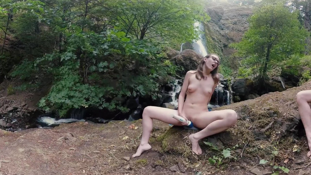Yanks VR Presents Endza & Sierra Mutual Masturbation