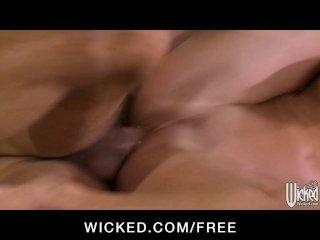 Nympho Veronica Avluv loves dick