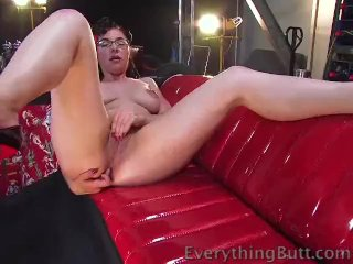 Sexy ass takes it all