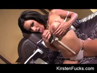 Pearl necklace hottie with Kirsten Price