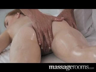 Massage Rooms – Deep and intense fuck