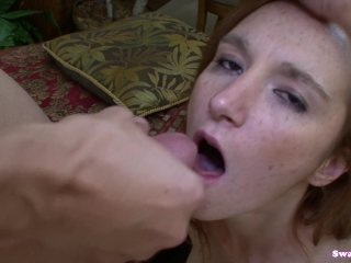Dee Dee Lynn Gives Head And Guzzles Man Chowd
