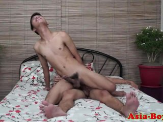 Young asian twink getting his assfucked