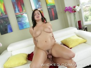 Wicked – Dirty maid Keisha Grey works for it