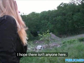 Sexi Češka prehltne semeno