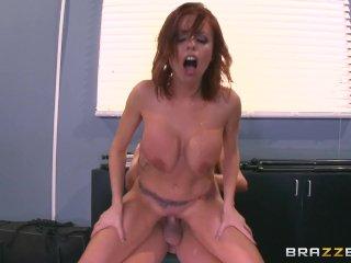 Britney Amber fucks the camera man – Brazzers