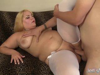 Blonde plumper Jade Rose gets her pussy pound