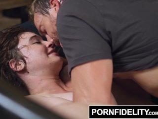 PORNFIDELITY – Nerd Girl Loves Anal