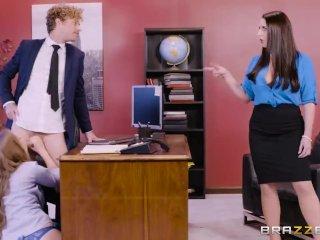 Zamestnankyňa prichytí šéfa so sekretárkou