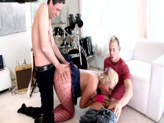 Phoenix Marie takes two cocks on both her holes