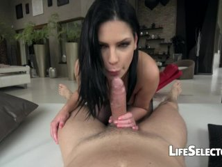 She Loves it from Behind – Annie Wolf