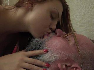 Teen fickt mit ihren Grossvater