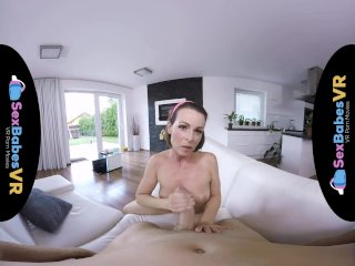 SexBabesVR – Retrolisious with horny Milf Caroline Ardolino