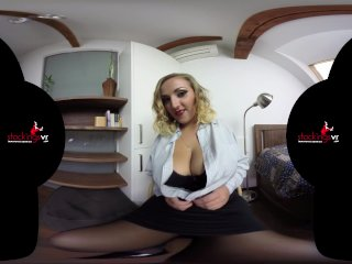 StockingsVR - Boobmania 34HH Krystal Swift