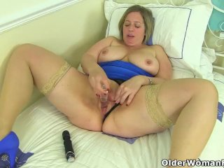 'English milf Shooting Star plays with sex toys'