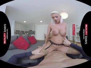 RealityLovers VR – Sexy German Milf joyriding