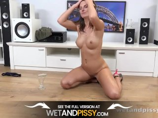 Big Tits and Pissing – Czech Girl Loves To Play With Piss